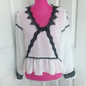 ⚫️ZARA⚪️ black and white lace ruffle blouse